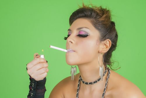 smoking aggressive women