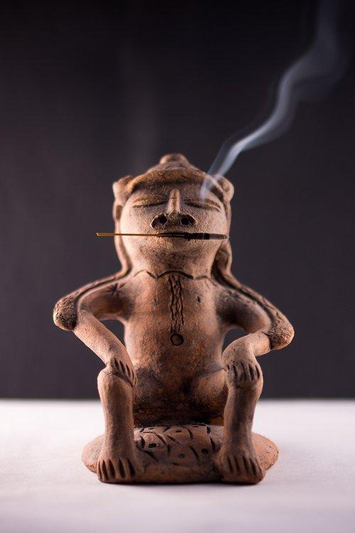 smoking  cigar  indian
