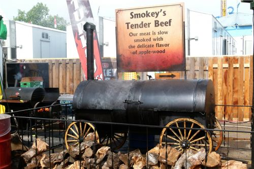 smoking bbq tender beef