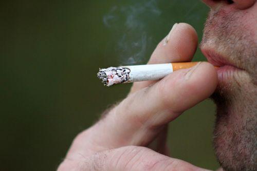 rūkymas, tabakas, dūmai, pirštai, lūpos, rūkymas