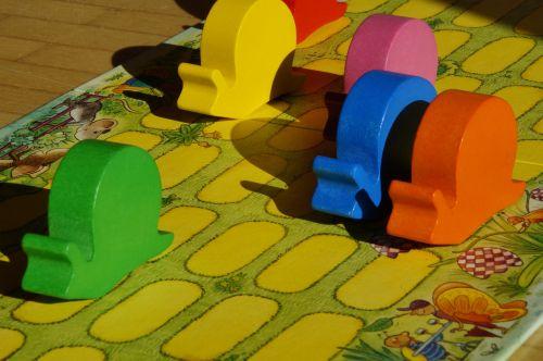 snails snail race worm game