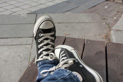 sneaker converse tuesday break