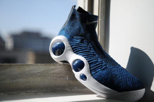 sneakers sports nike