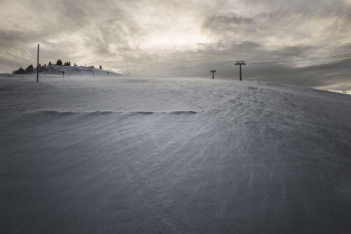 sniegas,kraštovaizdis,žiema,žiemos peizažas,lauke,grazus krastovaizdis