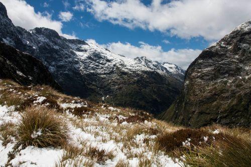 sniegas,kalnai,kraštovaizdis,kalnų peizažas,žiema,piko,peizažas,sniego kalnas,lauke,žygiai,žiemos peizažas,kalnų,uolingas,debesys,vaizdingas