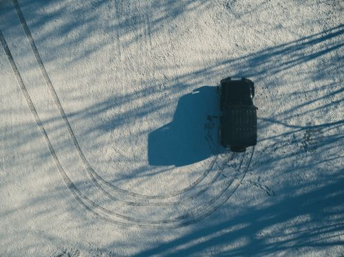 snow tire tracks suv