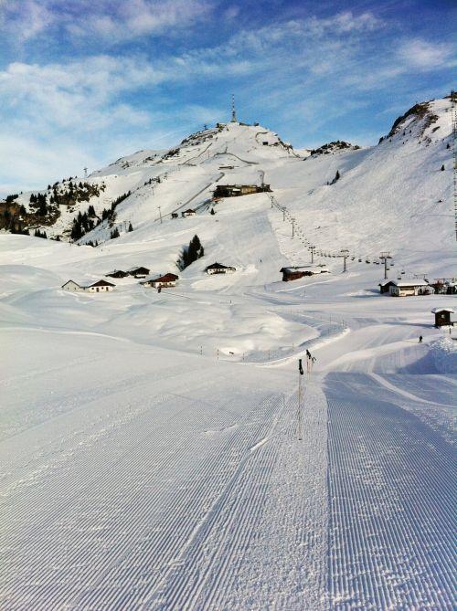 snow ski lane