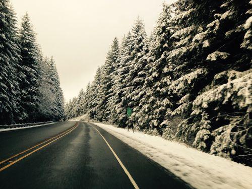 snow oregon mountain