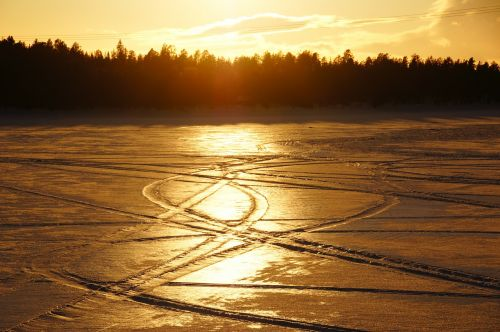 snow traces sunset