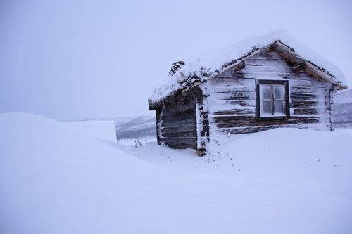 snow  chalet  lapland