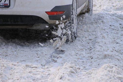 snow  car  wheel