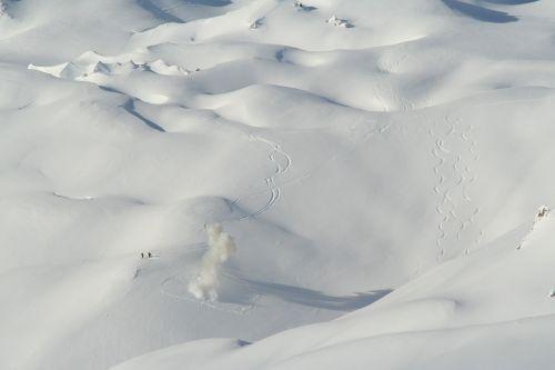 snow peaks mountain