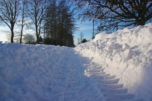 snow road traffic