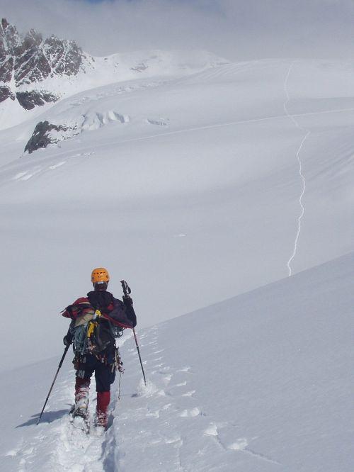 sniegas,žiema,ilgai dingęs,toli,sniego batai,snieglentynių kelionė,toli