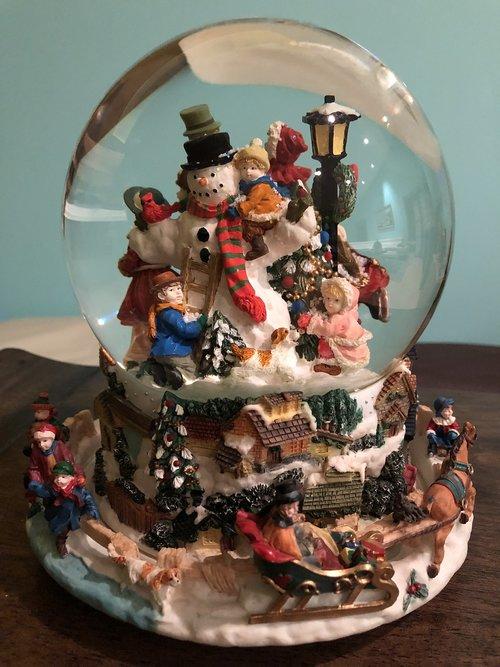 snow globe  christmas  season