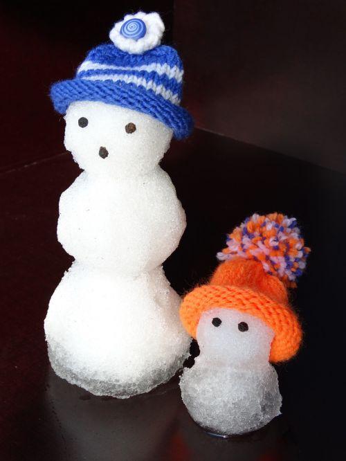 snow man snowmen family