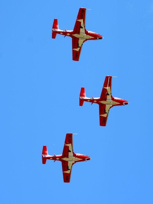 snowbirds  rcaf  royal canadian air force