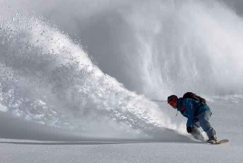 snowboarder snowboarding snowboard