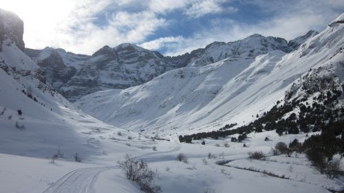 snowshoes aragonese pyrenees pyrenees