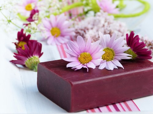 soap  flowers  daisies