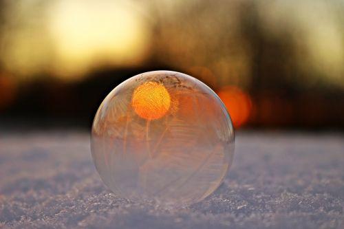 soap bubble frozen bubble