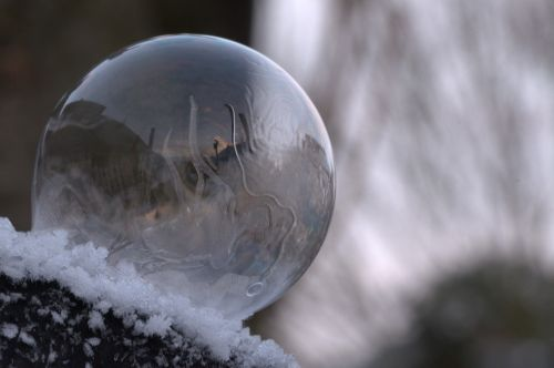 soap bubble freeze frozen
