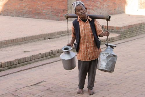 socialus,Butanas,vežėjas,darbuotojai,sunku,paskutinis,ąsočiai