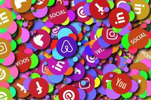 social media  icon  district