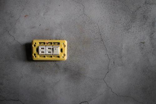 socket cement crack