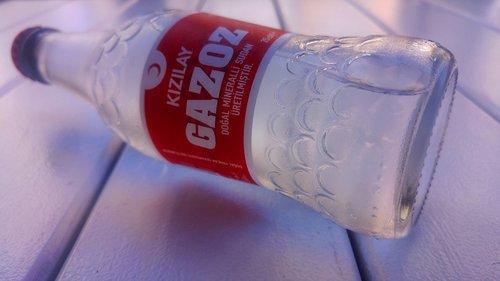 soda  crescent  red