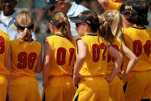 softball team girls