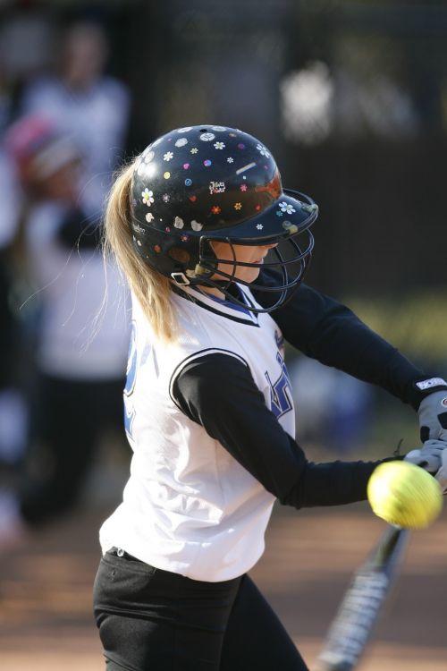softball batter female