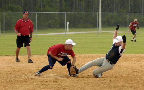 softball men batter