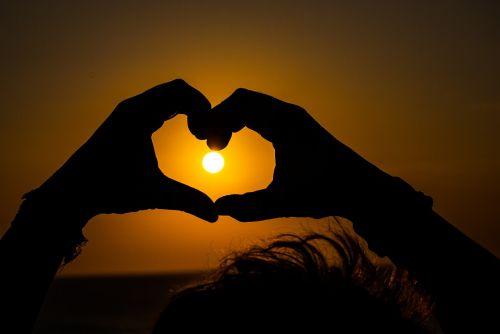 sol heart hands
