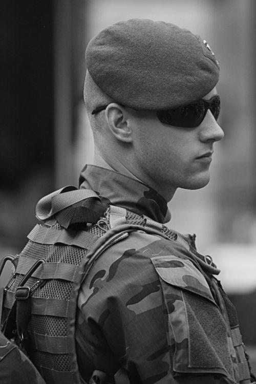 soldier para paracommando