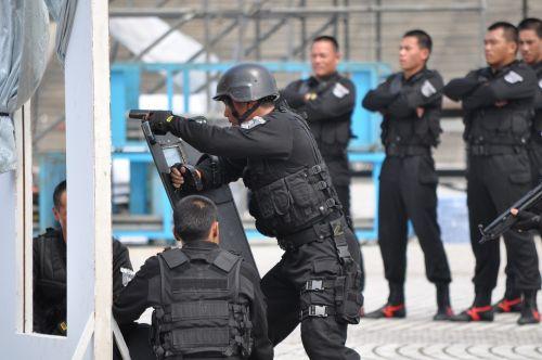soldier counterterrorism police