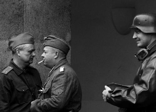soldiers cigarette uniforms