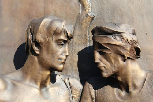 solidarity help statue