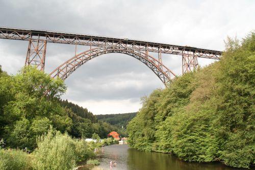 Solihull,müngsten tiltas,tiltas,geležinkelis,didžiausias,geležinkelio tiltas,traukinys,istoriškai,nerūdijantis,gleise,senas tiltas