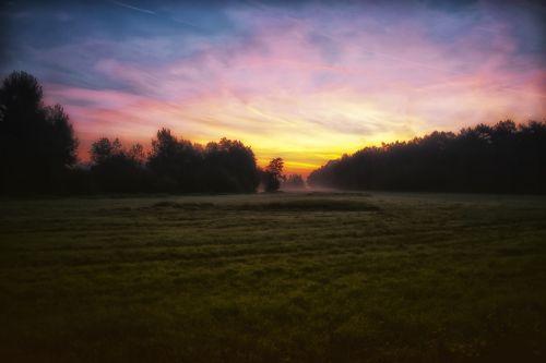 saulėtekis, pieva, kraštovaizdis, rytas, saulė, dangus, gamta, saulėlydis, apšvietimas, miškas, mėlynas, aušra, kritimas, humoras, saulėtas, rytas & nbsp, rūkas, saulės šviesa, ramus, rytas & nbsp, migla, tylus, saulėtekis rudenį