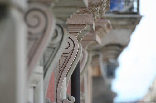 sottobalcone  support a balcony  baroque