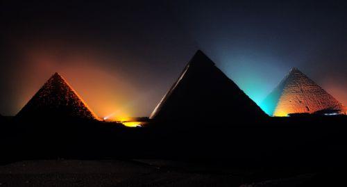pyramid light show giza show