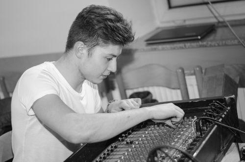 sound recordist sound dubbing