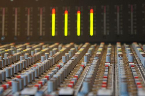 sound studo mixing console