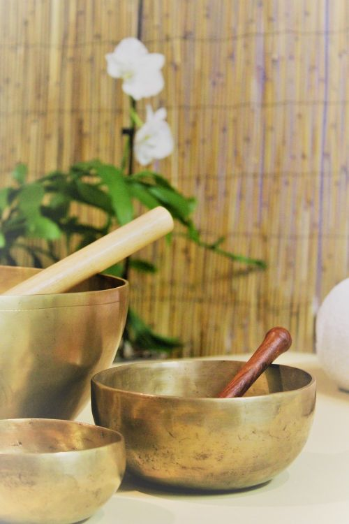 sound therapy singing bowl oriental