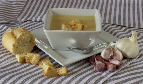 soup bread dinner