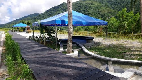 spa landscape garland