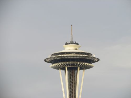 space needle seattle revolving restaurant