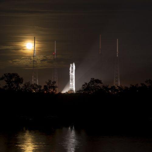 spacecraft rocket launch
