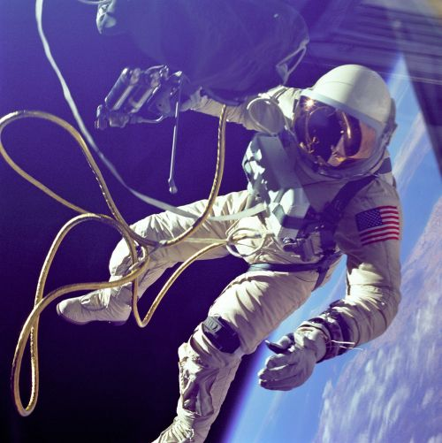 spacewalk,eva,astronaut,nasa,edward white,cosmonaut,orbit,extravehicular activity,spaceman,astronomy,vastness,universe,galaxy,science